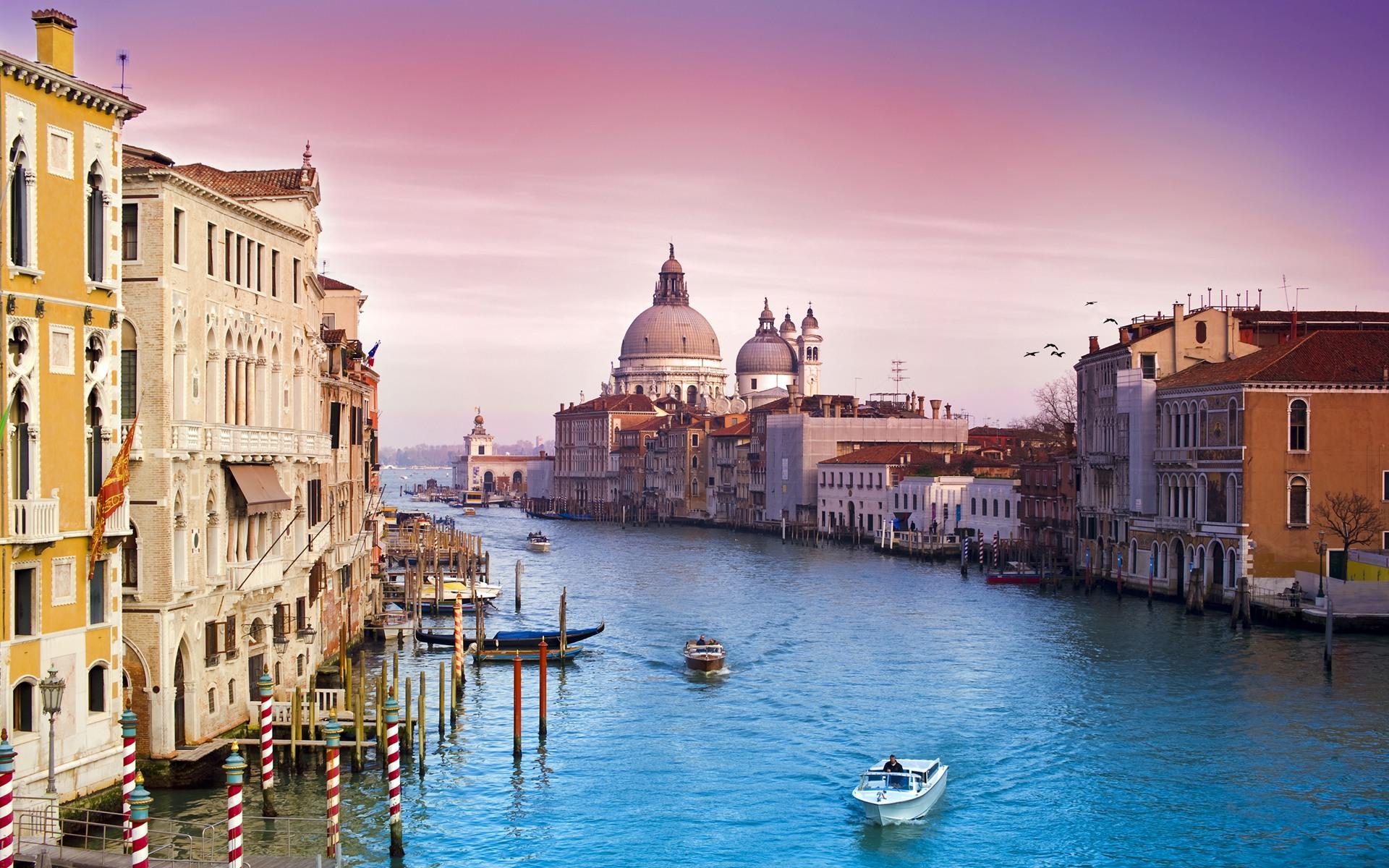 Gửi chuyển phát nhanh hàng hóa đi Ý-Italy